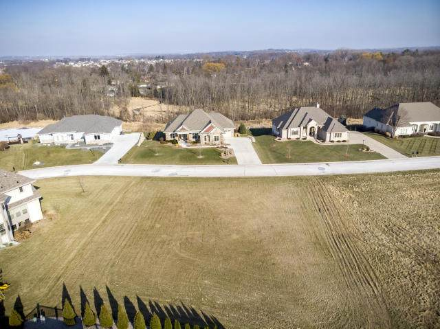 N36W22931 Wyndemere Dr, Pewaukee, WI 53072 (#1697329) :: NextHome Prime Real Estate