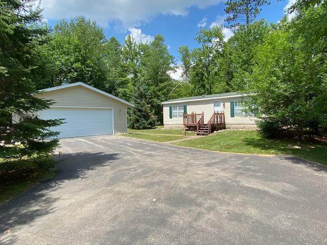 15083 Sunrise Circle, Riverview, WI 54149 (#1697451) :: RE/MAX Service First Service First Pros