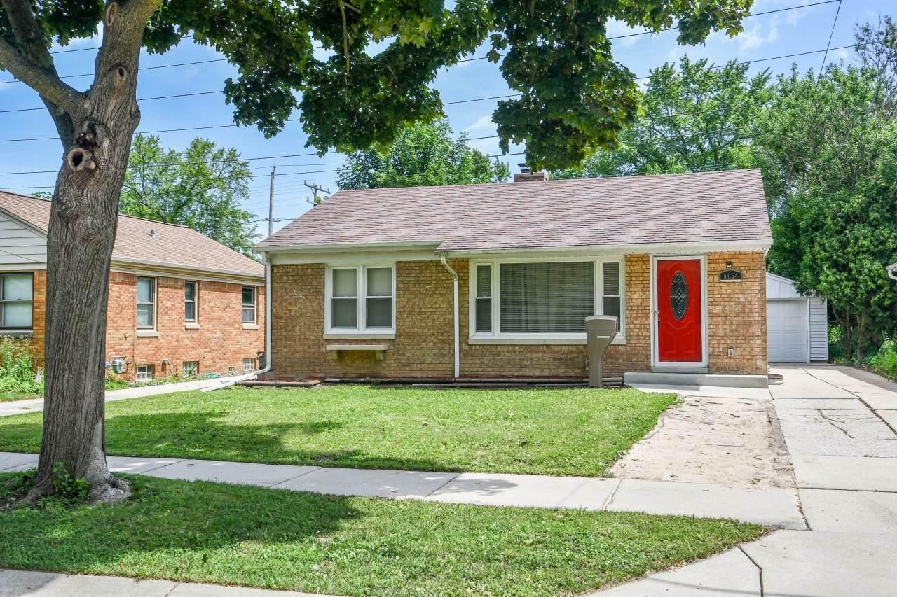 5654 Dexter Ave - Photo 1