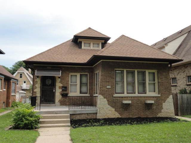 3228 N 45th St, Milwaukee, WI 53216 (#1700022) :: OneTrust Real Estate