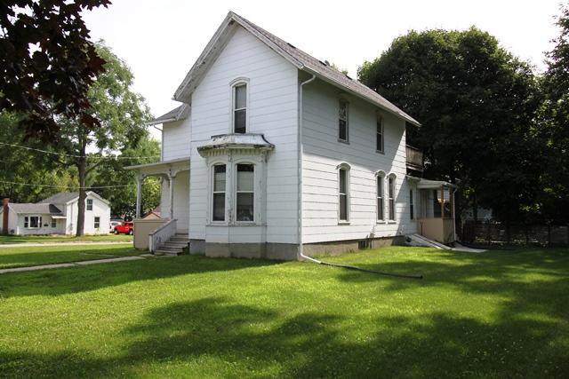 243 S Prairie St, Whitewater, WI 53190 (#1700995) :: RE/MAX Service First Service First Pros