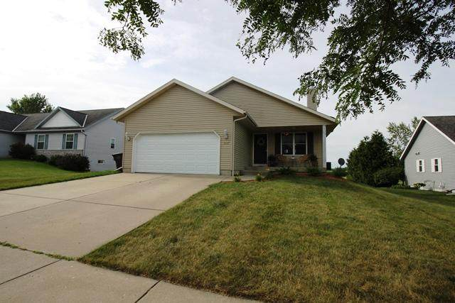 1297 W Blooming Field Dr, Whitewater, WI 53190 (#1702031) :: RE/MAX Service First Service First Pros