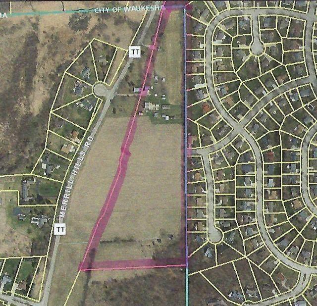 W270S1990 Merrill Hills Rd, Waukesha, WI 53188 (#1702994) :: Keller Williams Realty - Milwaukee Southwest