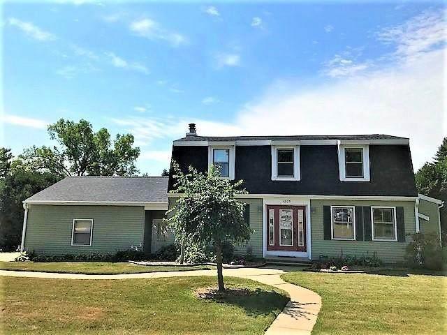 1205 W Circle Dr, Sparta, WI 54656 (#1703809) :: NextHome Prime Real Estate
