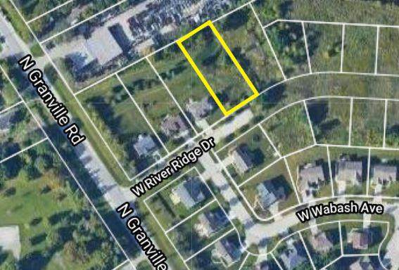 10232 W River Ridge Dr, Milwaukee, WI 53224 (#1704655) :: OneTrust Real Estate