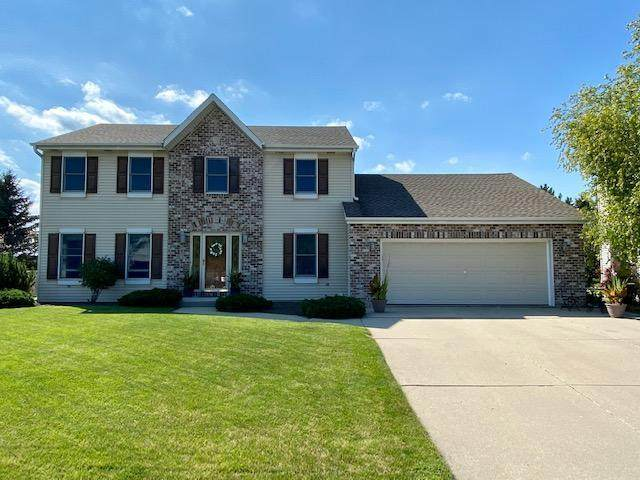 332 Quail Cir, West Bend, WI 53095 (#1705480) :: OneTrust Real Estate