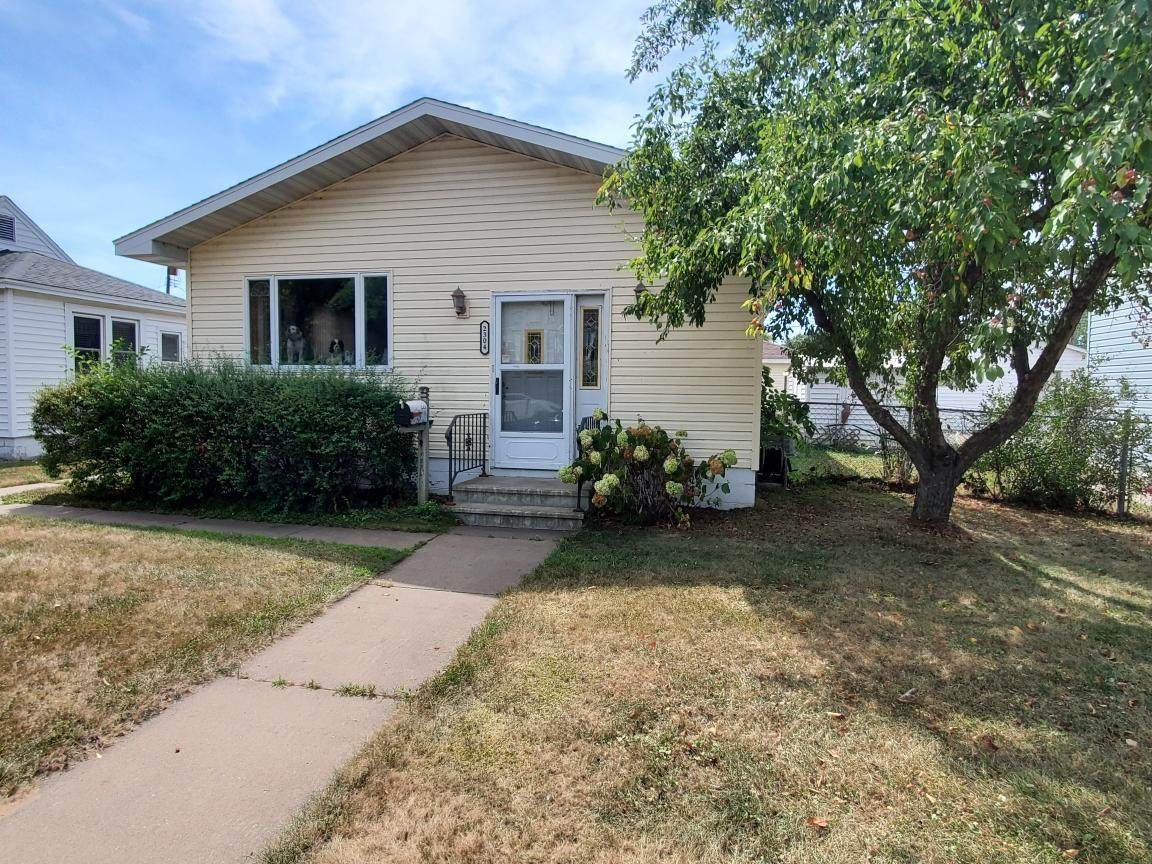 2304 Denton St - Photo 1