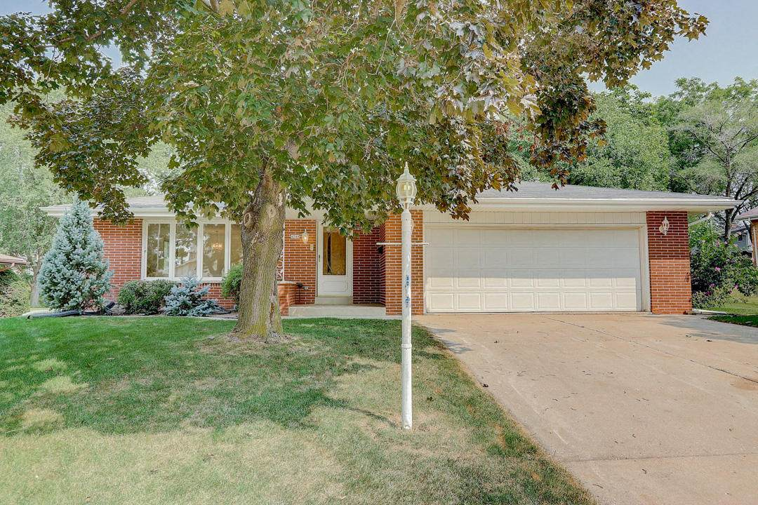 4748 Sycamore St - Photo 1