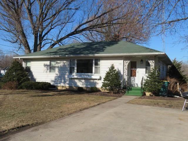 34306 Bassett Rd, Randall, WI 53105 (#1708617) :: Tom Didier Real Estate Team