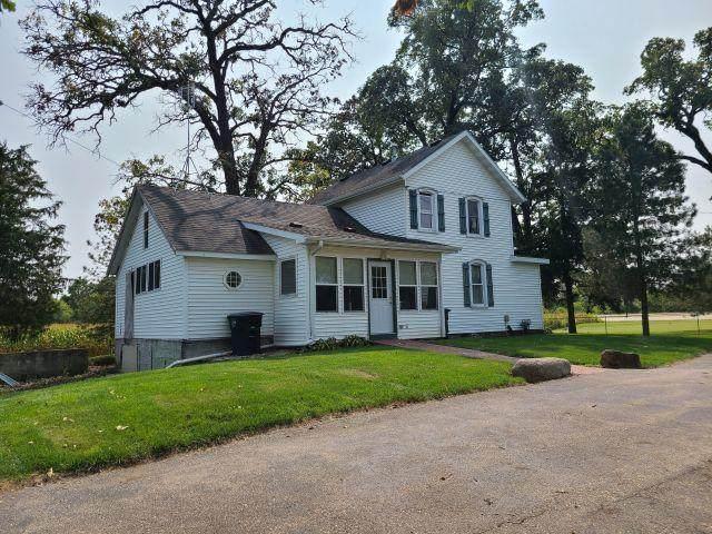 30616 Geneva Rd, Salem Lakes, WI 53168 (#1710637) :: Tom Didier Real Estate Team