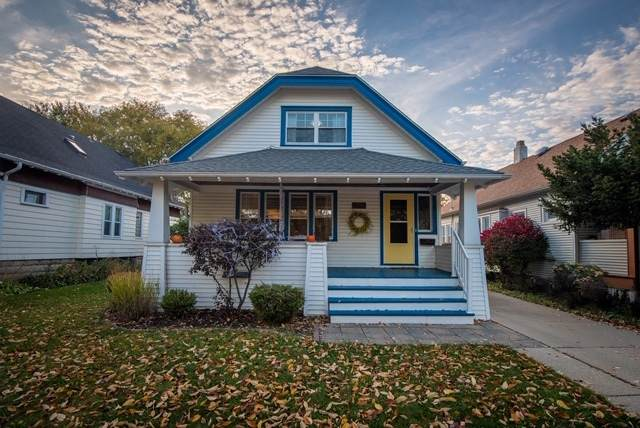 2177 N 61st St, Wauwatosa, WI 53213 (#1715904) :: RE/MAX Service First
