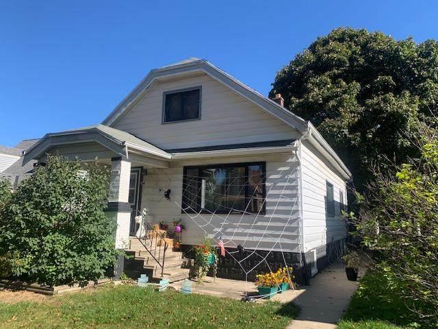 3140 S 10th St, Milwaukee, WI 53215 (#1716213) :: Keller Williams Realty - Milwaukee Southwest