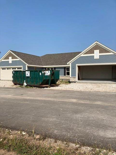 828 Margo Cir #0502, Eagle, WI 53119 (#1716343) :: OneTrust Real Estate