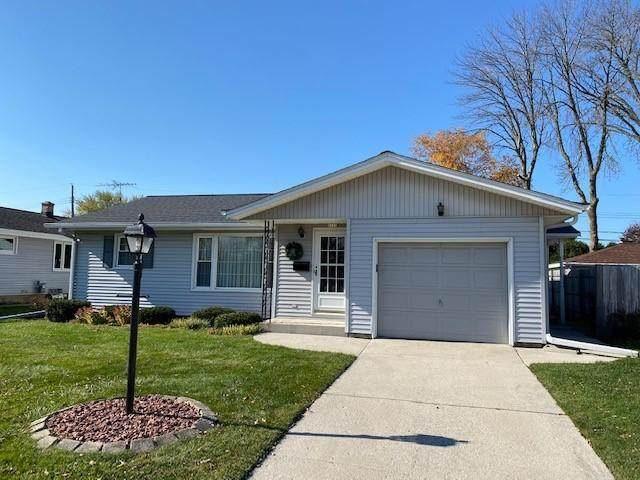 2622 S 18, Sheboygan, WI 53081 (#1716608) :: RE/MAX Service First Service First Pros