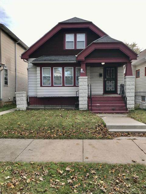 2223 W Melvina, Milwaukee, WI 53206 (#1717084) :: RE/MAX Service First Service First Pros