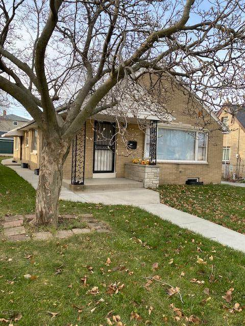 5709 N 64th St, Milwaukee, WI 53218 (#1719818) :: RE/MAX Service First