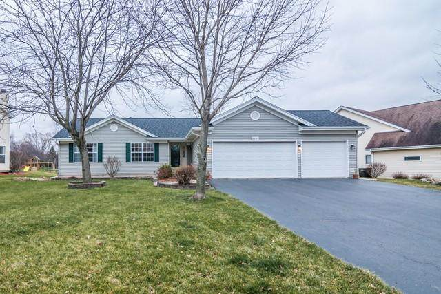 8401 207th Ave, Bristol, WI 53104 (#1721039) :: RE/MAX Service First