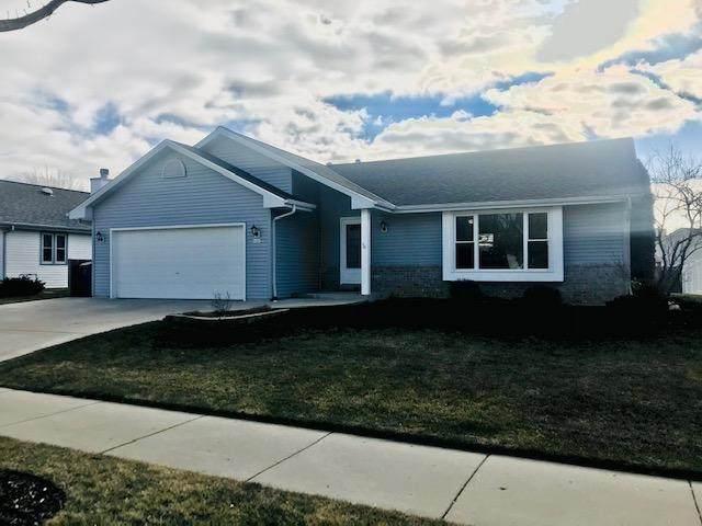 4181 E Barton Rd, Oak Creek, WI 53154 (#1722355) :: Tom Didier Real Estate Team