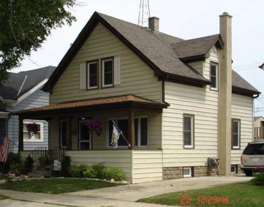909 Grove Ave, Racine, WI 53405 (#1724272) :: RE/MAX Service First