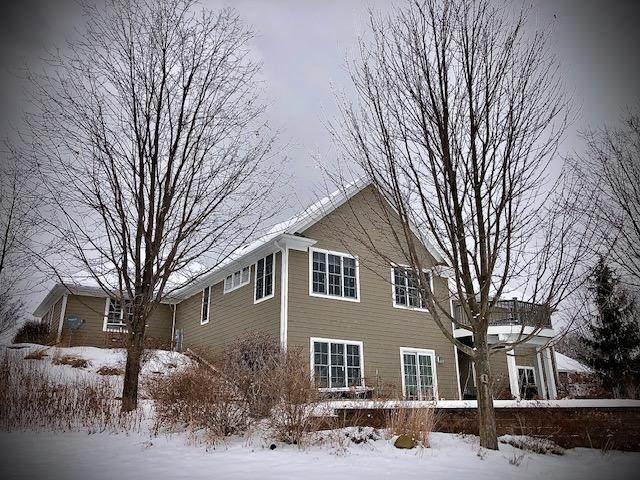 1621 Buckingham Ln, West Bend, WI 53095 (#1724489) :: OneTrust Real Estate