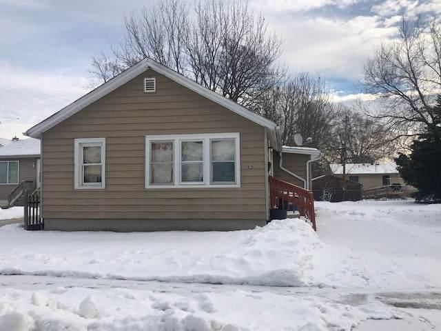 1025 Parker Ave, Racine, WI 53403 (#1724775) :: Tom Didier Real Estate Team