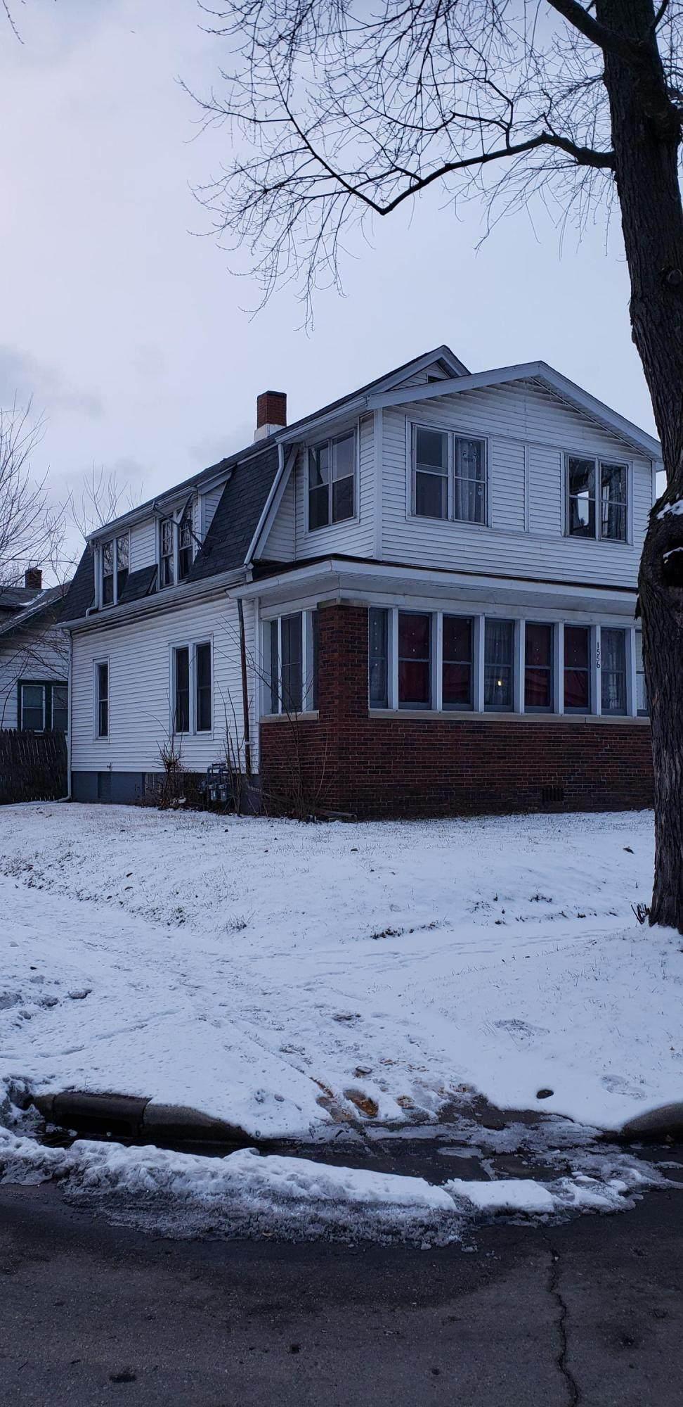 1556 Boyd Ave - Photo 1