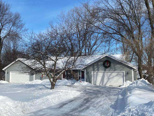 19070 Emerald Dr #19080, Brookfield, WI 53045 (#1727000) :: OneTrust Real Estate