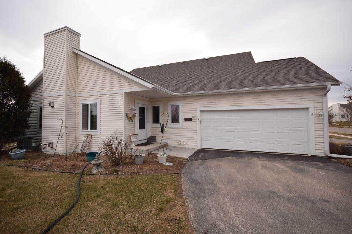 1748 Conestoga Ct - Photo 1