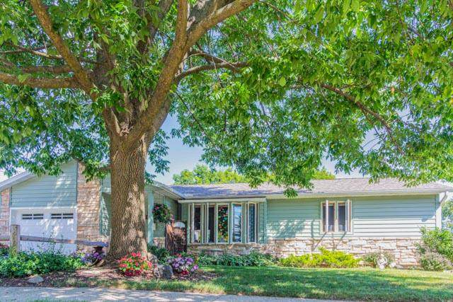 1309 S Third St, Watertown, WI 53094 (#1732283) :: EXIT Realty XL
