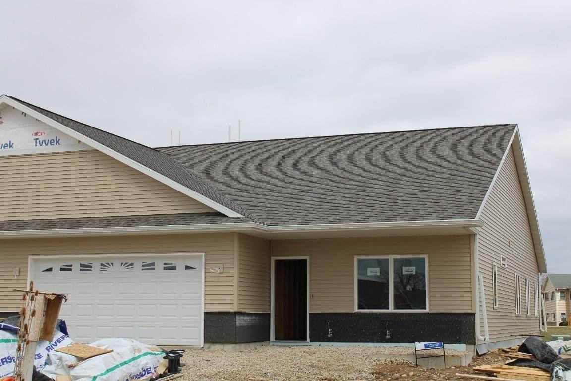 775 Prairie Gdns - Photo 1