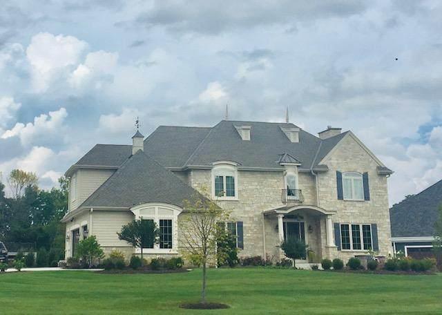 18700 Patti Ln, Brookfield, WI 53045 (#1734052) :: Tom Didier Real Estate Team