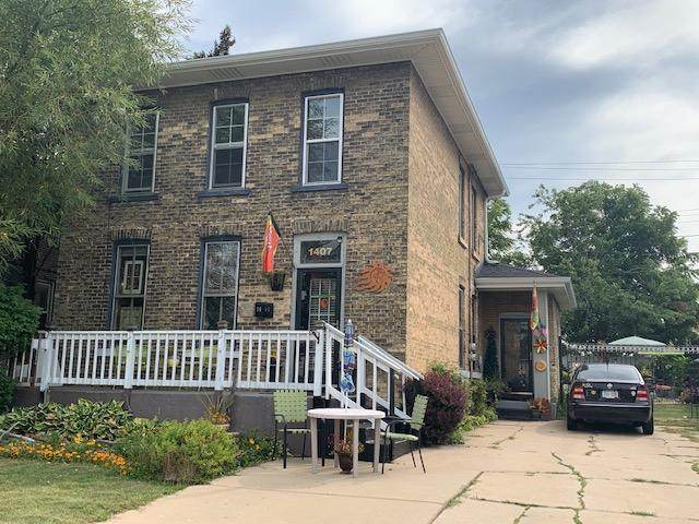 1407 N Main St, Racine, WI 53406 (#1735088) :: RE/MAX Service First