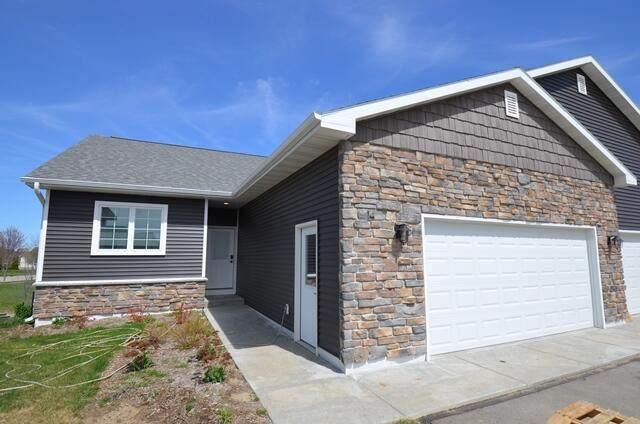 1270 Jakes Way #14, Whitewater, WI 53190 (#1735648) :: Tom Didier Real Estate Team