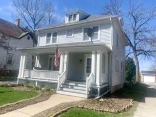 222 N Charles St, Waukesha, WI 53186 (#1735687) :: Tom Didier Real Estate Team