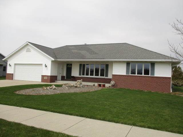 532 Wisconsin Ave, Oostburg, WI 53070 (#1737363) :: RE/MAX Service First
