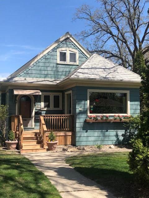 418 Plainfield Ave - Photo 1