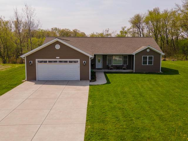 W773 Violet Rd, Bloomfield, WI 53128 (#1739318) :: RE/MAX Service First
