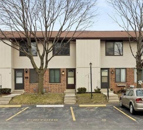 1441 Oakes Rd #10, Mount Pleasant, WI 53406 (#1740742) :: Keller Williams Realty - Milwaukee Southwest