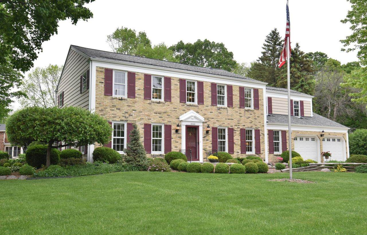 18600 Chevy Chase - Photo 1