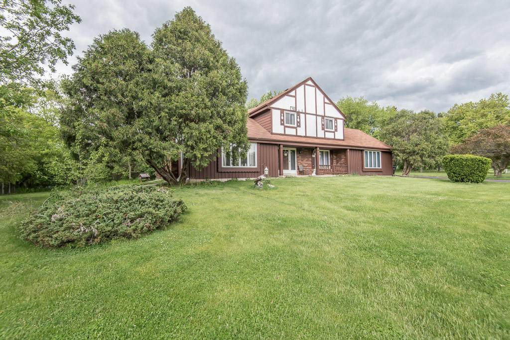 S35W27615 Country Club Ct - Photo 1