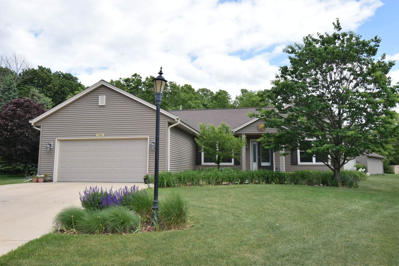1808 Kettle Ct - Photo 1