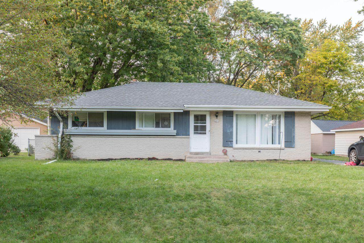 4852 Terry Ave - Photo 1