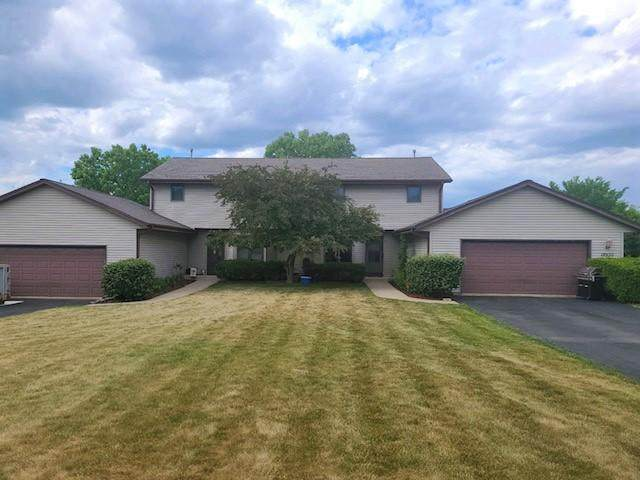 18930 Hiview Dr #18940, Brookfield, WI 53045 (#1744795) :: RE/MAX Service First