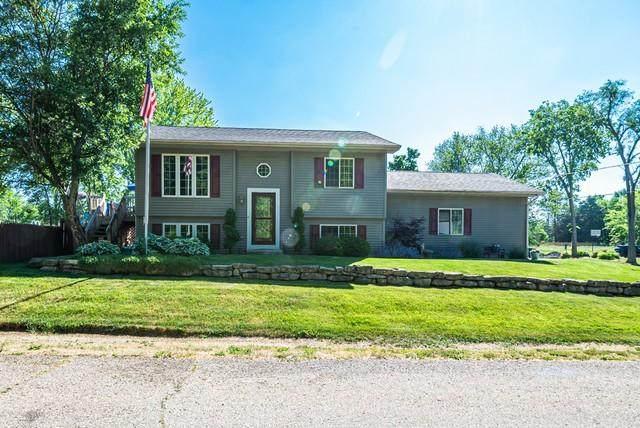 9905 269th Ct, Salem Lakes, WI 53179 (#1745841) :: Tom Didier Real Estate Team