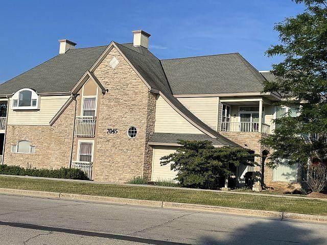7045 S Riverwood Blvd #201, Franklin, WI 53132 (#1745970) :: OneTrust Real Estate