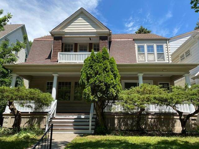 2500 E Edgewood Ave #2502, Shorewood, WI 53211 (#1747565) :: Tom Didier Real Estate Team