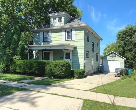 606 S Twelfth St, Watertown, WI 53094 (#1749947) :: Tom Didier Real Estate Team