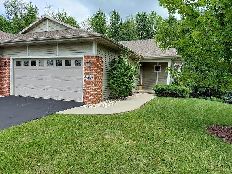 1276 Meadowbrook Dr - Photo 1