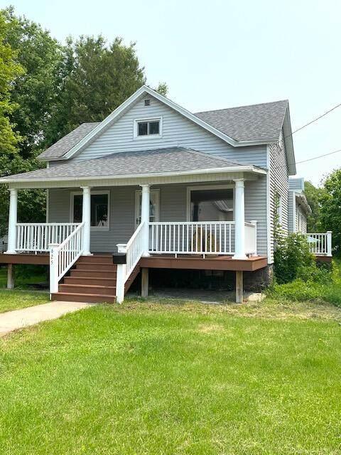 625 Ogden St, Marinette, WI 54143 (#1753239) :: Tom Didier Real Estate Team