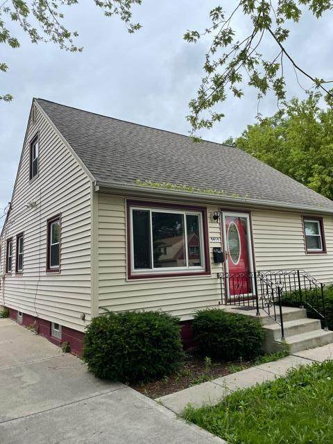 5915 N 37th St, Milwaukee, WI 53209 (#1754641) :: RE/MAX Service First